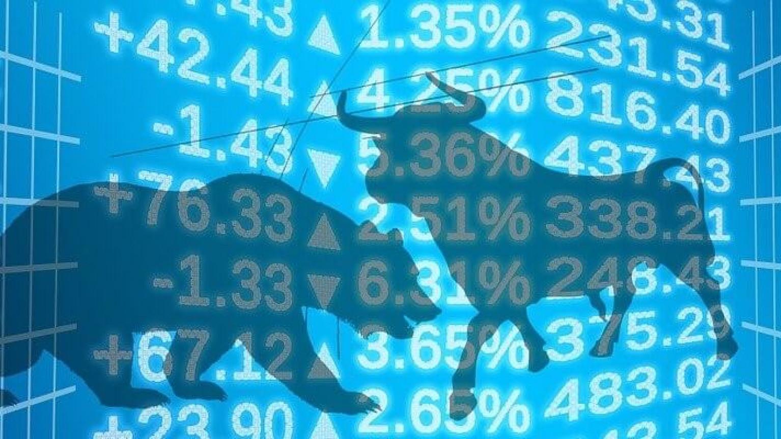 Image of peer-to-peer lending vs. stocks